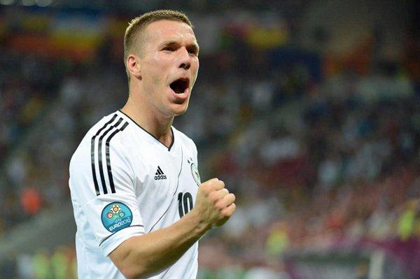 Podolski marcó su primer gol en la Eurocopa ante Dinamarca