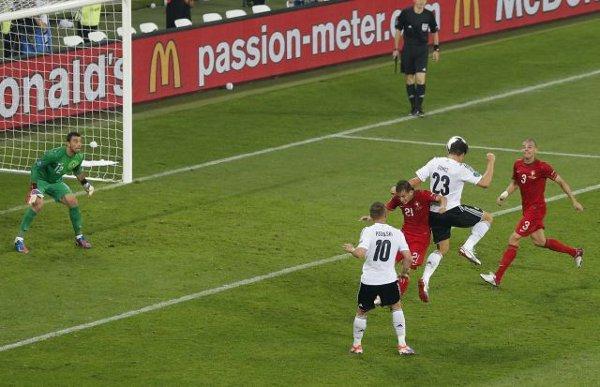 Gol de Mario Gomez para Alemania ante Portugal