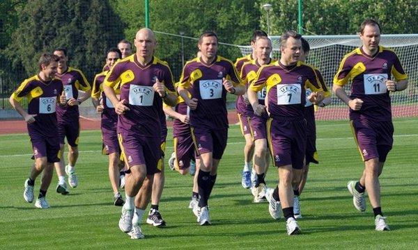 Árbitros de la Euro 2012