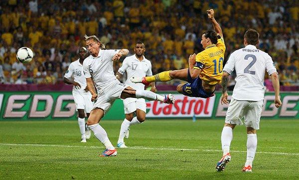 El gol de Ibrahimovic bajó a Francia de la primera posición
