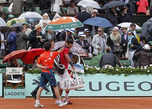 Roland Garros 2012: la lluvia para la final Nadal-Djokovic que acabará el lunes