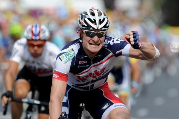 Greipel celebra su tercer triunfo en este Tour 2012