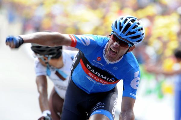 David Millar celebra con un gesto de rabia su victoria en el Tour