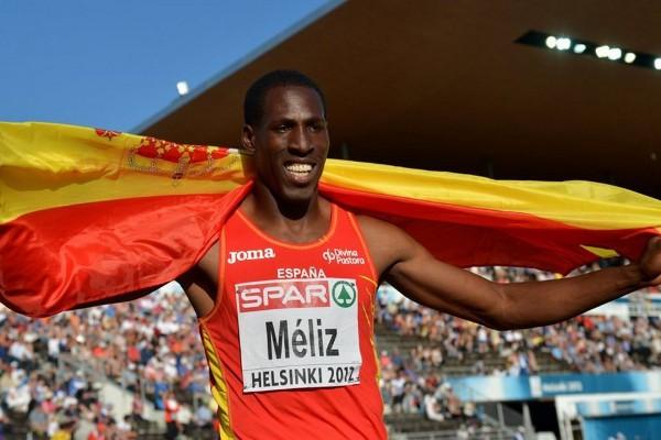 Meliz celebra su medalla de plata en salto de altura en los Europeos