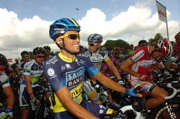 Contador cumplió su sanción y volvió a competir
