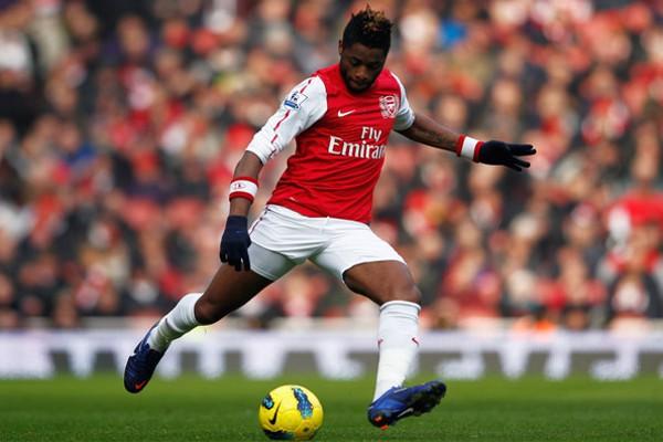 Alex Song jugará en el Barcelona las próximas cinco temporadas