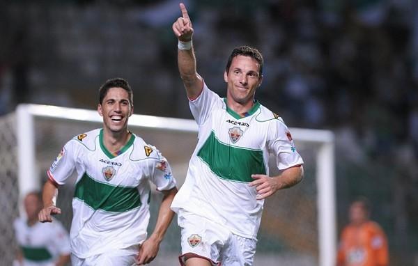 Gracias a que marcó 4 goles, el Elche es el primer líder en Segunda División