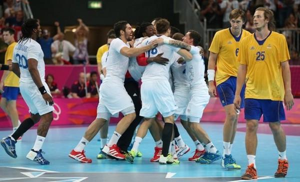 La selección de Francia celebra el oro conseguido en balonmano