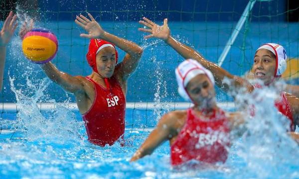 Laura Ester, la portera de la selección femenina de waterpolo