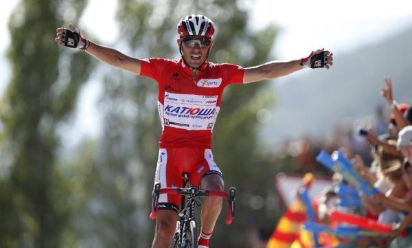Purito Rodríguez, líder de la Vuelta, en la meta de Jaca