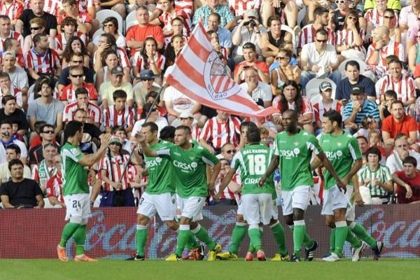 Gran victoria del Betis en San Mamés ante un desconocido Athletic