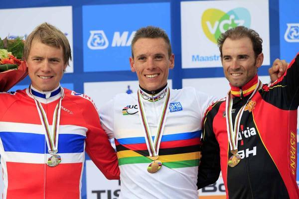 El podio del Mundial de ciclismo 2012, con GIlbert, Boasson Hagen y Valverde.