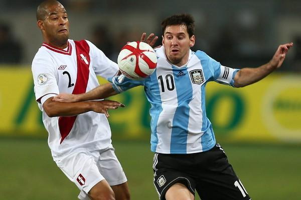 Messi no tuvo su día y fue Higuaín el que tuvo que salvar a Argentina ante Perú