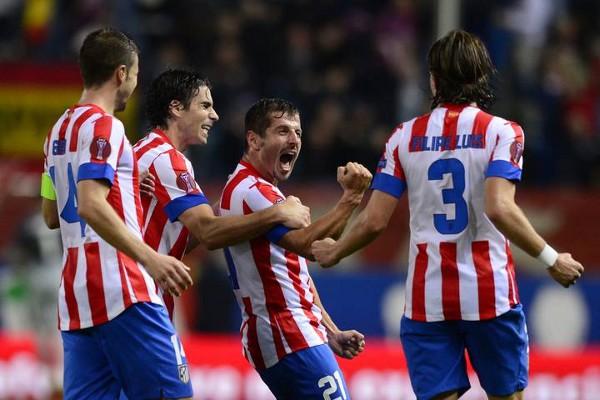 El turco Emre marcó su primer gol de falta con el Atlético de Madrid