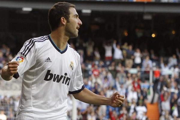 Higuaín no se creía el gol que le había metido al Celta de Vigo