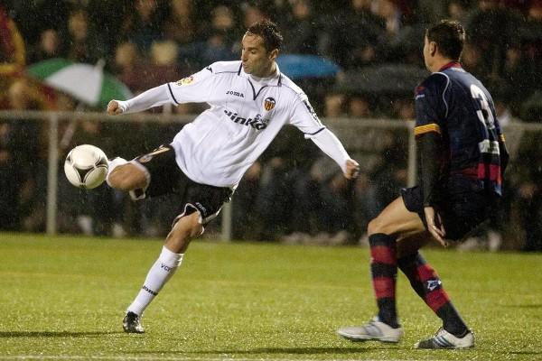 Jonas marcó el 0-1 en el Llagostera - Valencia