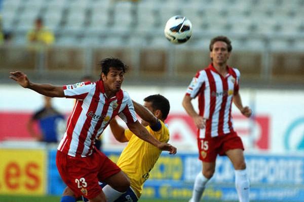 El Almería vuelve a la segunda posición tras ganar en Las Palmas