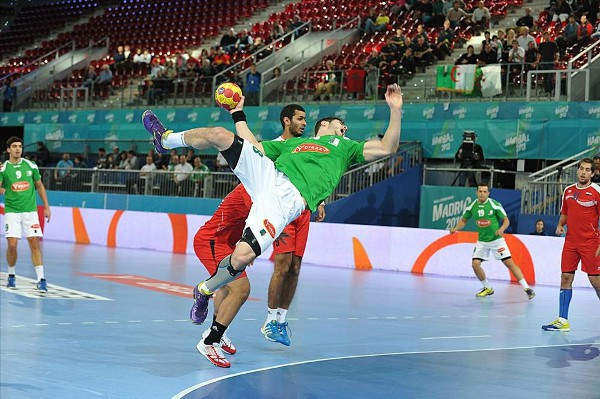 Argelia y Egipto pelean por una plaza en la siguiente ronda del Mundial