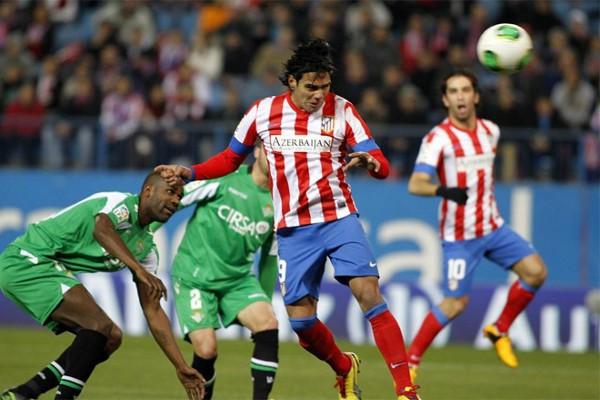 Falcao marcó el primer gol del Atlético ante el Betis