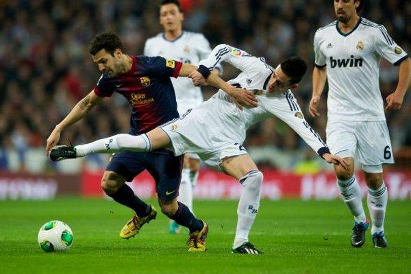 Cesc marcó el primer gol del Barcelona tras un error de Callejón