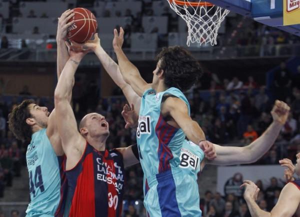 Copa del Rey baloncesto Vitoria 2013: Regal Barcelona a la final tras superar a Caja Laboral con un gran Navarro