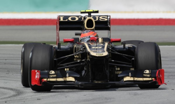 252449-lotus-f1-formula-one-driver-raikkonen-drives-during-the-first-practice-600x359
