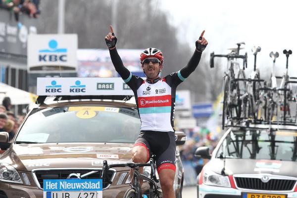 Fabian Cancellara celebra su victoria en el Tour de Flandes