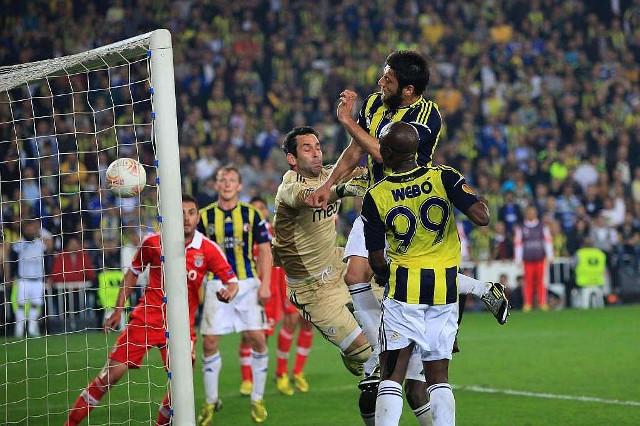 Korkmaz marcó el gol del Fenerbahçe ante el Benfica