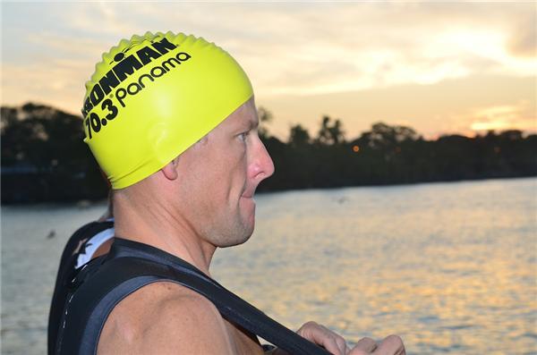 Lance Armstrong ahora quiere nadar