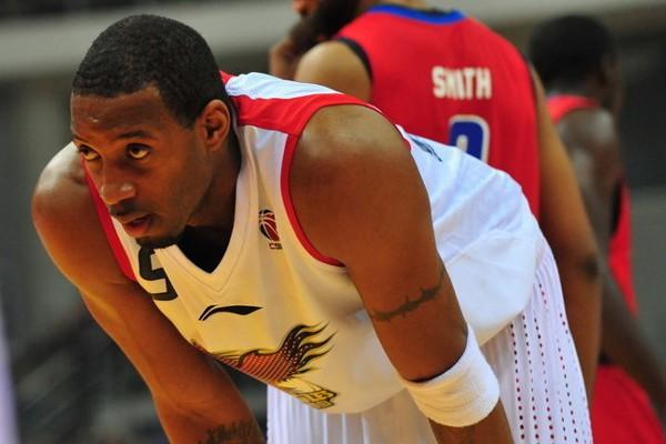 McGrady vuelve a la NBA para jugar en los Spurs