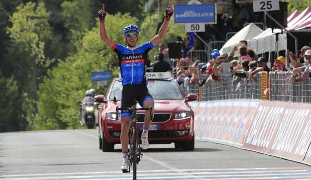 El lituano Navardauskas celebra su triunfo en la etapa 11 del Giro de Italia