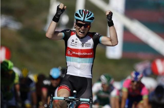 El belga Bakelants celebra emocionado su triunfo en la segunda etapa del Tour