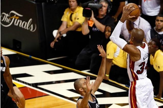 Ray Allen salvó a los Heat de la derrota con un triple increíble