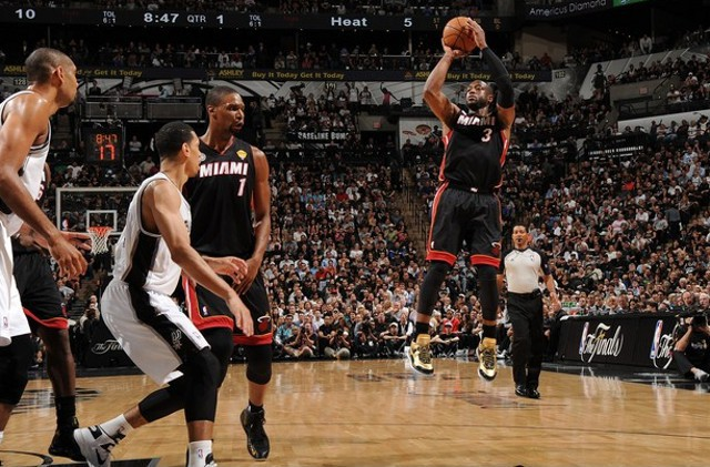 Wade despertó por fin para dar la victoria a Miami
