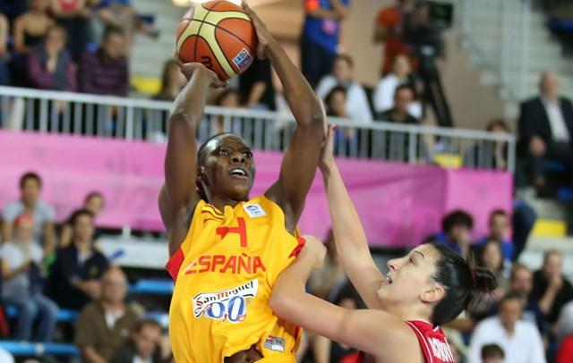 Sancho Lyttle durante un partido del Eurobasket