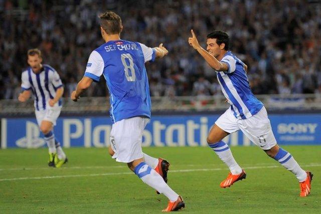 Dos goles de Vela meten a la Real Sociedad en Champions League