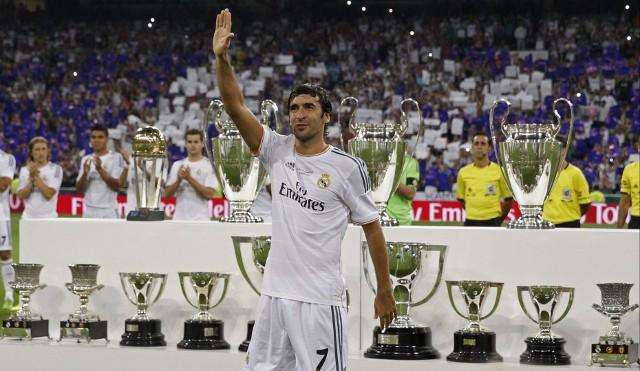 Raúl fue heomenajeado por el Real Madrid