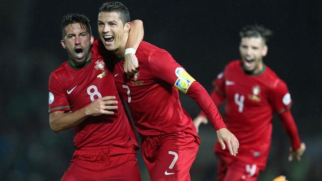 Cristiano Ronaldo marcó tres goles ante Irlanda del Norte