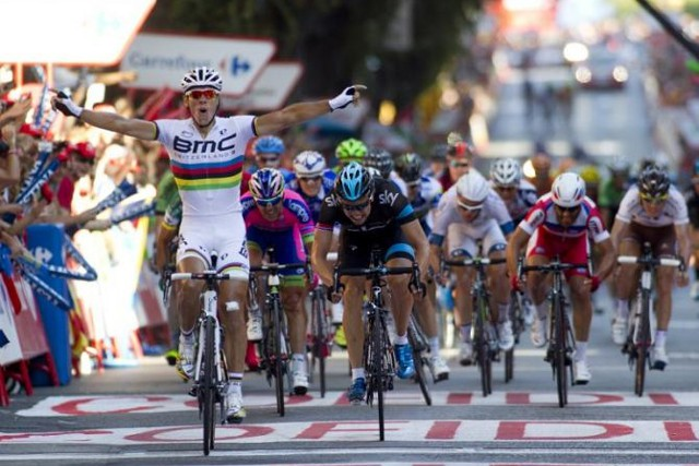 Gilbert ganando en Tarragona la etapa 12 de la Vuelta a España