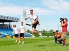 Los jugadores del Real Madrid muestran sus habilidades ante un reto de Bwin