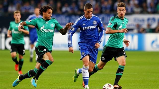 Torres marcó 2 de los 3 goles del Chelsea al Schalke