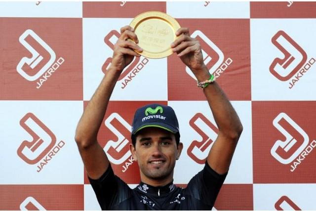 Beñat Intxausti posa como ganador del Tour de Pekín 2013