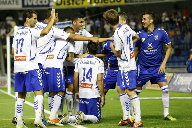El Tenerife dio la sorpresa de la jornada al ganar al Depor
