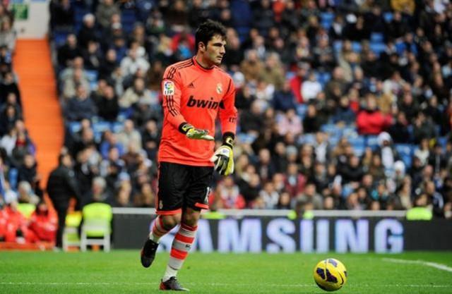 Adán ha firmado una temporada con el Cagliari