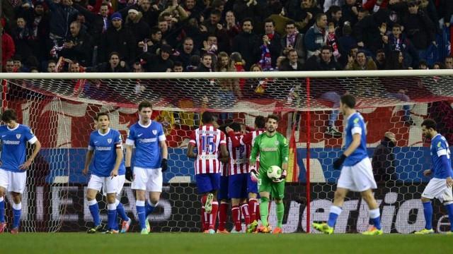 Godín pone en ventaja al Atlético