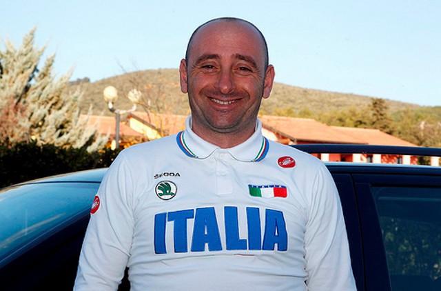 Bettini deja la selección de Italia para dirigir al equipo de Alonso