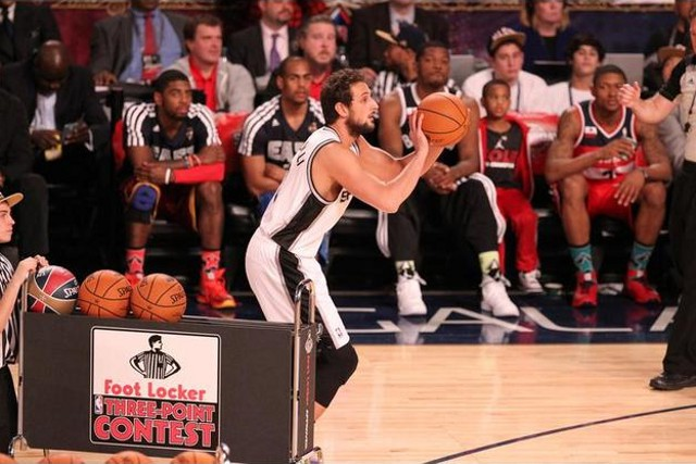 Belinelli ganó el concurso de triples de la NBA