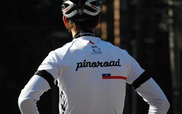 Juanjo Oroz con el maillot del PinoRoad