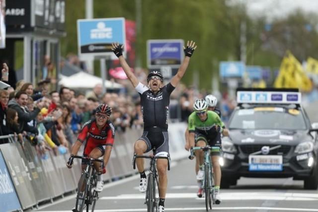 Cancellara gana por tercera vez el Tour de Flandes