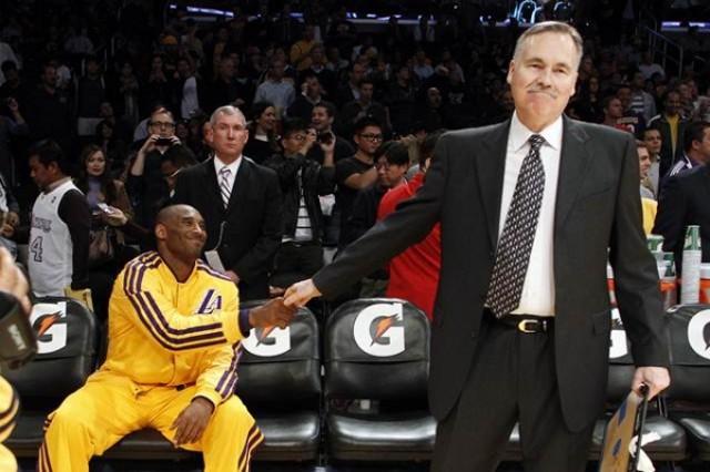 D'Antoni abandona el banquillo de los Lakers